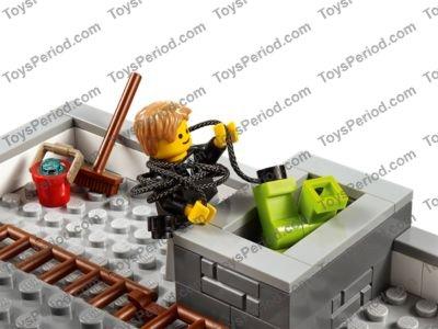 Lego 10251 Brick Bank Image 11