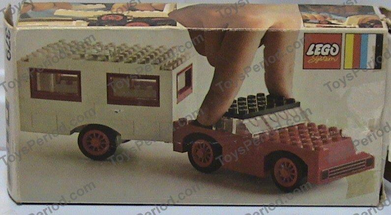 LEGO 379-2 Car and Caravan Image 2