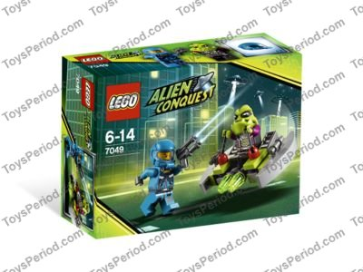 Lego Space Lime Minifig Head Modified Alien with 4 Fangs and Brain Tissue Patten
