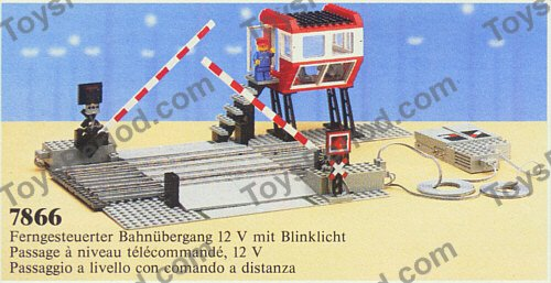 LEGO 7866 Level Crossing with Electric Gates Set Parts