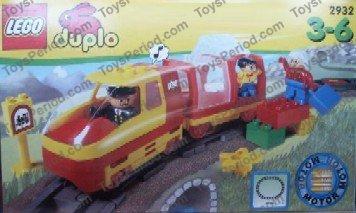Lego 2932 Passenger Train Starter Set With Motor Set Parts
